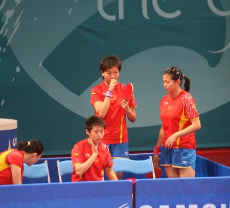 图文:中国女乒轻取团体赛首胜 四女将意气风发