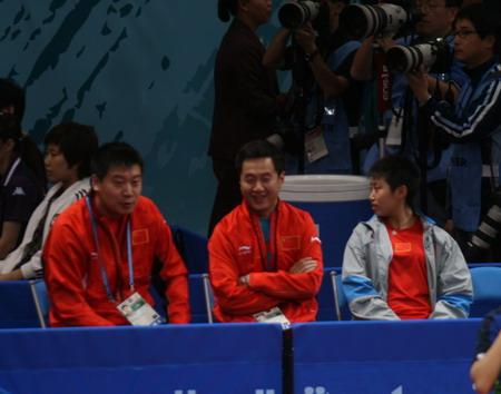 图文:中国女乒轻取团体赛首胜 施之皓笑容满面
