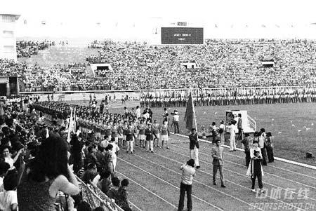 图文:1978年曼谷亚运会开幕式 中国代表团入场