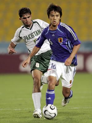 图文:多哈亚运男足小组赛 日本3:2胜巴基斯坦