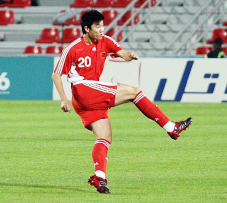 图文:中国国奥1:0领先伊拉克 周海滨破门瞬间