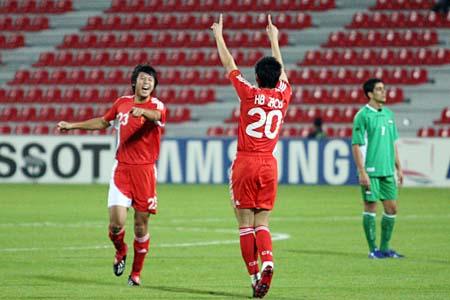 独家图片:国奥1-0领先伊拉克 赵铭祝贺周海滨