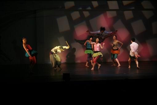 图:韩国现代舞《跳舞的妈妈》—2
