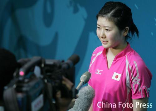 图文:女子乒乓球团体赛战况 福原爱接受采访