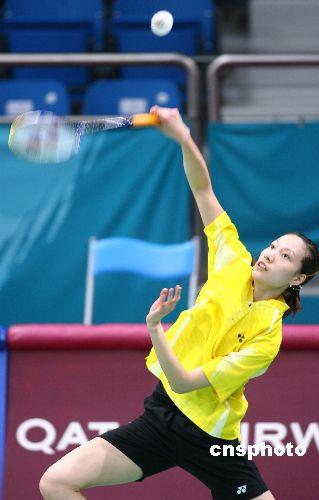 图文:羽毛球女团 谢杏芳2-0完胜马来西亚