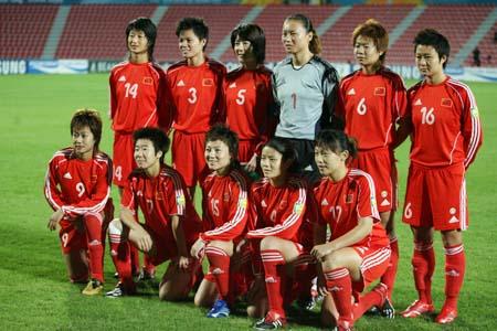 独家图片:女足小组赛中国VS泰国 女足首发阵容