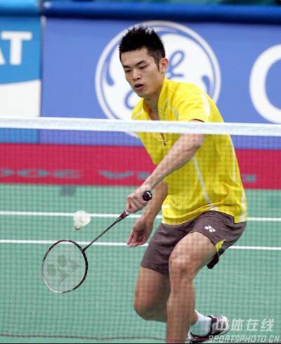 亚运羽球男团赛中国横扫印度 陈金遇险险丢一