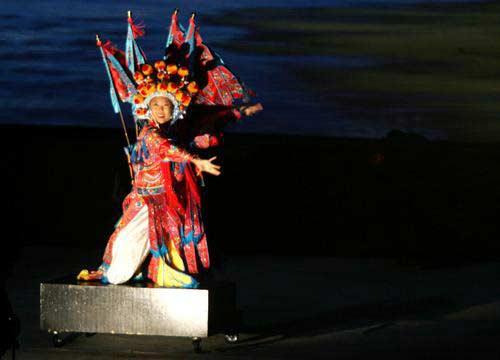 图文:亚运会开幕式文艺表演 中国传统京剧造型