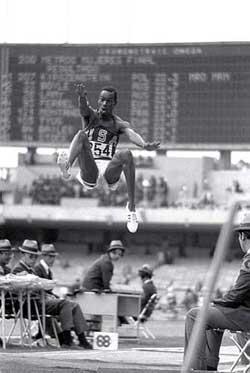 鲍勃比蒙记录保持23年 奥运历史诞生最伟大一跳
