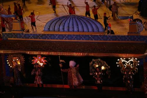 图文:多哈亚运会开幕式 大型表演演绎亚洲历史