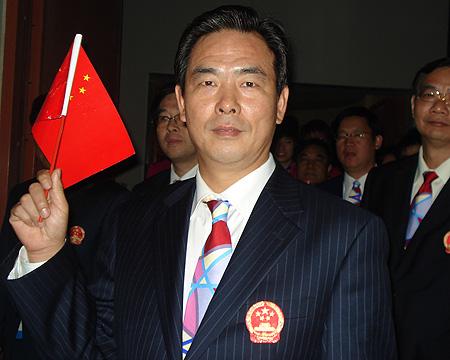 图文:进场前的中国代表团 蔡振华在现场