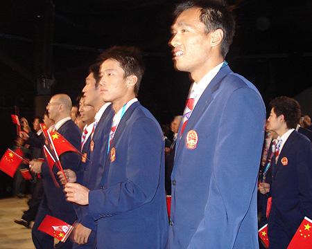 图文:进场前的中国代表团 中国帅哥