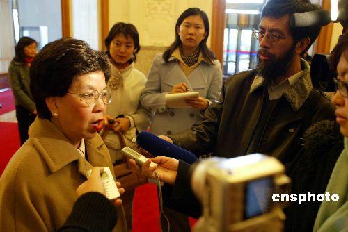 陈冯富珍:当选世卫组织总干事反映了国家的国力