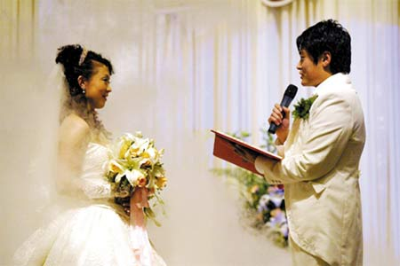大连足坛再迎喜事 胡兆军张亚林同一天举行婚礼