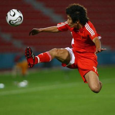 图文:国奥3-1胜马来西亚 朱挺展示
