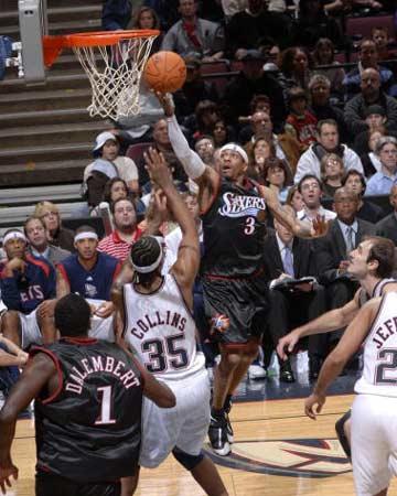 NBA图:森林狼VS76人 艾弗森杀进狼窝