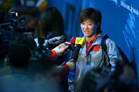图文:中国女乒夺得团体冠军 赛后郭焱接受采访