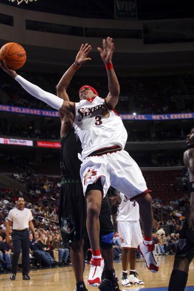 NBA图:森林狼客场灭76人 艾弗森闪电突破