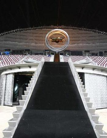 图文:多哈亚运开幕式 豪华的场馆