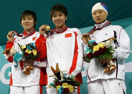 图文:女子400米自由泳 杨洁俏夺金朱雯睿摘银