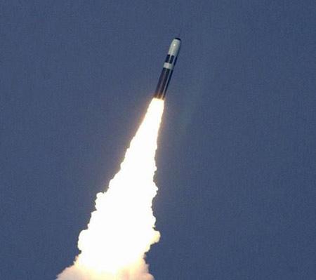 英国将维持导弹核潜艇规模但削减核弹数量(图)