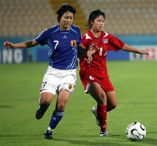 图文:日本女足4-0泰国 提前锁定亚运四强席位