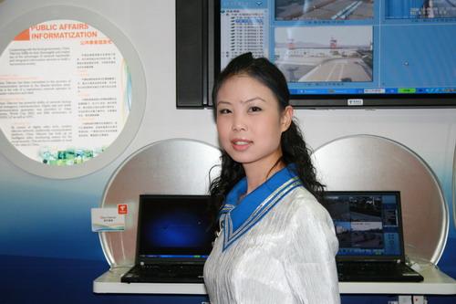 图文:2006年世界电信展美女
