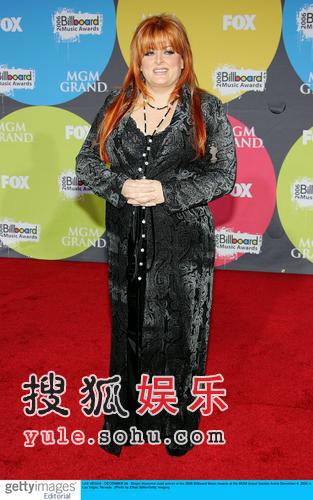 红毯:格莱美奖获得者维诺娜-贾德