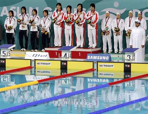 图文:女子4x200米自由泳接力 中国姑娘力压日韩