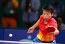 图文:亚运会乒乓球女单半决赛 郭跃反手进攻