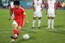 独家图片:国奥2-1战胜阿曼 郑智主罚点球瞬间