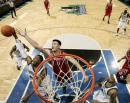 NBA图:火箭半场不敌森林狼 姚明封盖史密斯