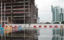 图文:多哈再降大雨 新闻中心外出现大片积水