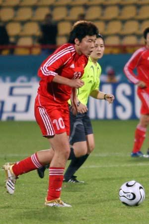 独家图片:女足小组赛中国0-1日本 马晓旭比赛中