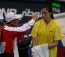 独家图片:羽球女单半决赛 谢杏芳接受教练指导