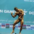 图文:钱吉成夺健美60公斤级冠军 展示标准造型