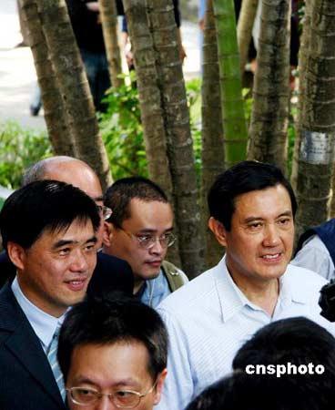 国民党候选人郝龙斌自行宣布当选 票数已超64万