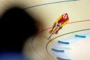 图文:场地自行车1000米计时赛 冯永在比赛中
