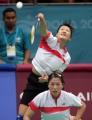 图文:亚运会羽毛球女双决赛 黄穗比赛中扣球