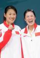 图文:亚运会羽毛球女双决赛 笑容灿烂的高��