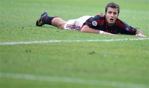 意甲-吉拉迪诺错点球穆齐两中门框 米兰0-0都灵