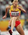 图文:亚运女子400米栏决赛 黄潇潇在比赛中
