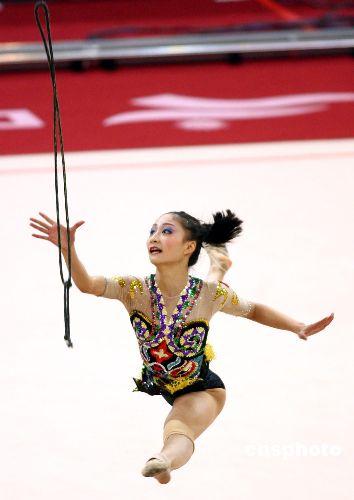 图文:亚运艺术体操个人全能丁一丹获得第四名
