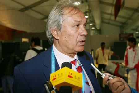 独家图片:杜伊接受专访 称满意国奥队员表现