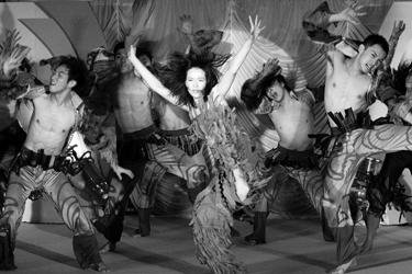爵士舞《紫禁城》集合多种现代舞蹈元素(图)