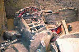 墓葬遗址发掘耐人寻味:考古被盗墓推着走