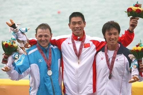 图文:男子千米单人皮艇 刘海涛和季亚军合影