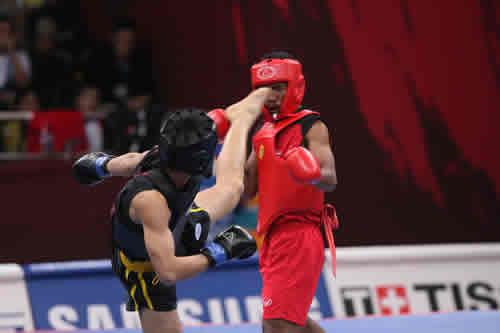 独家图片:散打56kg李腾轻取泰国对手 漂亮侧踢