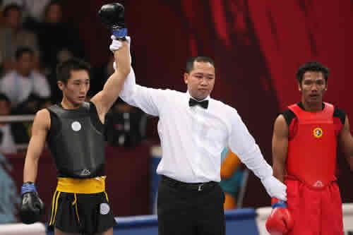 独家图片:散打56kg预赛 李腾胜泰国选手晋级