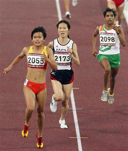 薛飞最后时刻脱颖而出 赢得金牌求记者放她一马